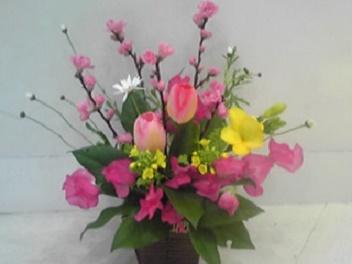 ひな祭りの花をアレンジメントと花瓶に生ける!桃の選び方と生け方は